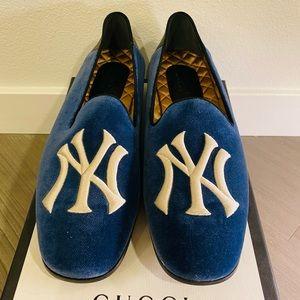 Gucci velvet NY loafer